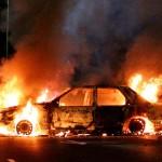 В Чернівцях на вулиці Героїв Майдану горіла машина